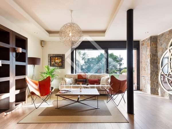 332m² Hus/Villa till uthyrning i La Pineda, Barcelona