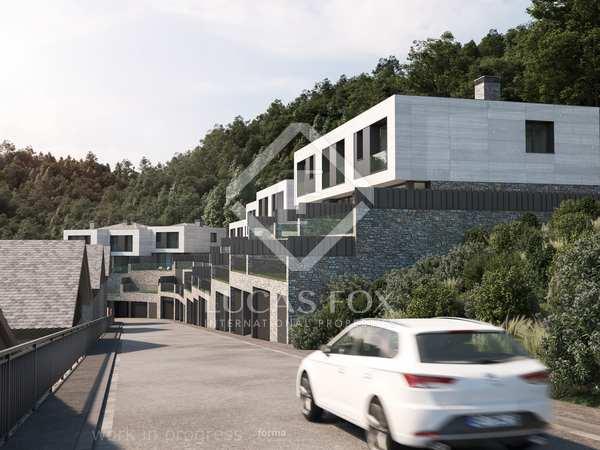 403m² House / Villa with 116m² garden for sale in La Massana