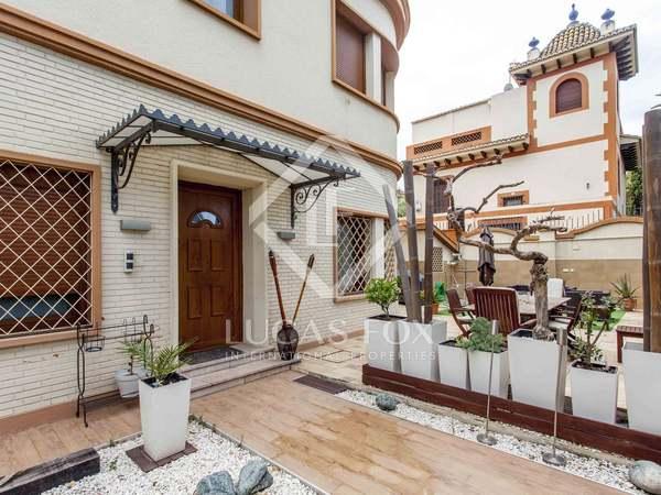 Huis / Villa van 225m² te koop met 90m² Tuin in El Pla del Real