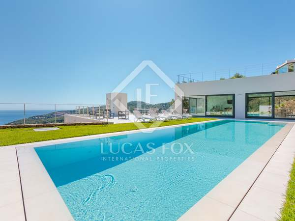 654m² House / Villa for sale in Sa Riera / Sa Tuna