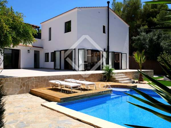 在 Sant Pere Ribes, 巴塞罗那 230m² 出售 豪宅/别墅 包括 95m² 露台