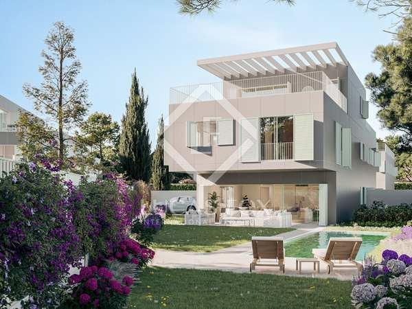 416m² house / villa with 300m² garden for sale in Aravaca
