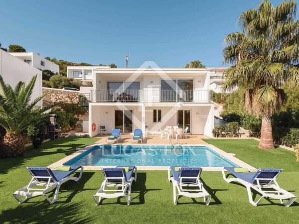 150m² House / Villa for sale in Mercadal, Menorca