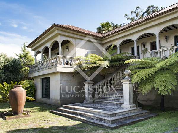 717m² Castle / Palace for sale in Pontevedra, Galicia