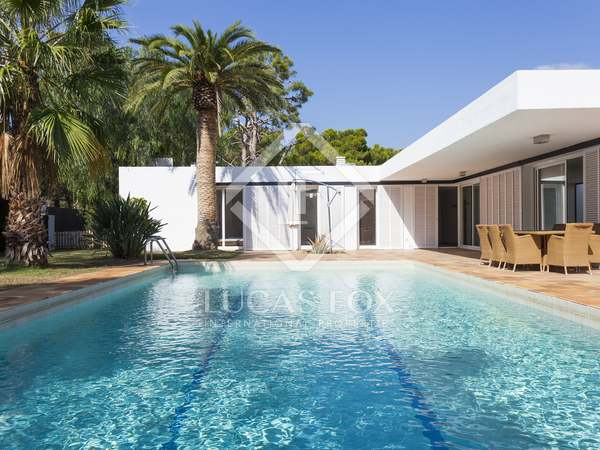 320 m² villa for sale in Terramar, Sitges
