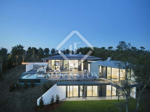 400m² villa for sale in Girona, Girona