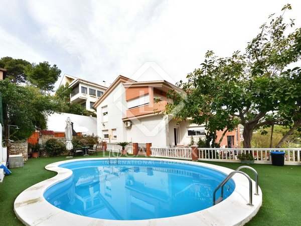 Casa de 310m² en venta en Castelldefels, Barcelona