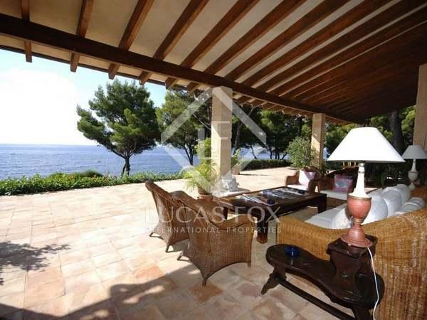 Casa en primera línea en venta en la Costa de los Pinos