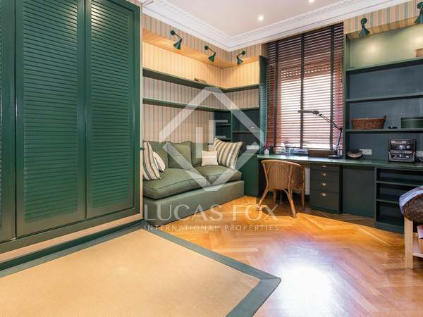 Apartment of 220 m² for sale on Diagonal