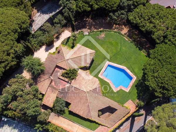 Casa / Villa de 344m² con 2,200m² de jardín en venta en Sant Andreu de Llavaneres