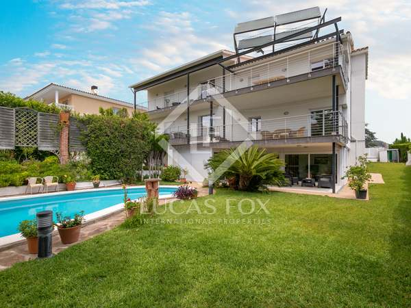 549 m² villa for sale in Vilassar de Dalt, Maresme