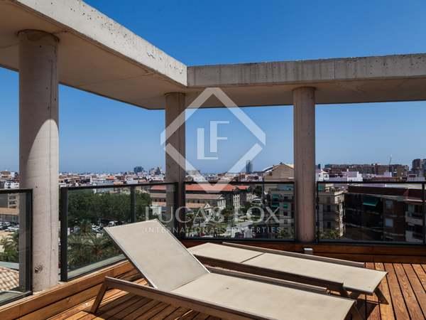 Ático de diseño en alquiler en la ciudad de Valencia