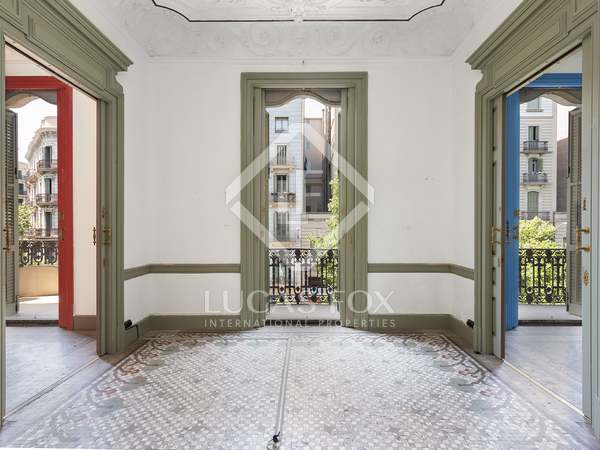 237m² Apartment with 12m² terrace for sale in Eixample Right