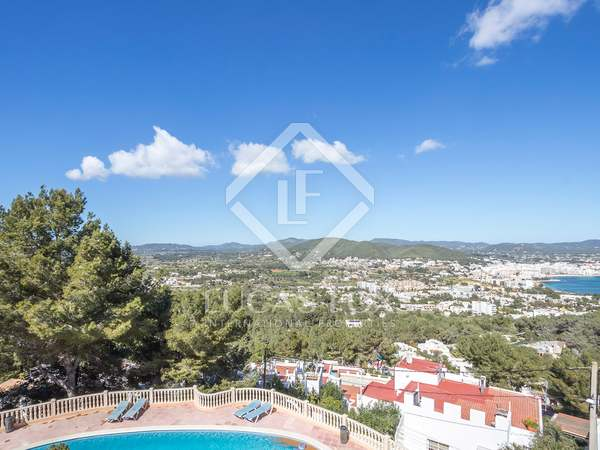 90 m² apartment for sale in Santa Eulalia, Ibiza