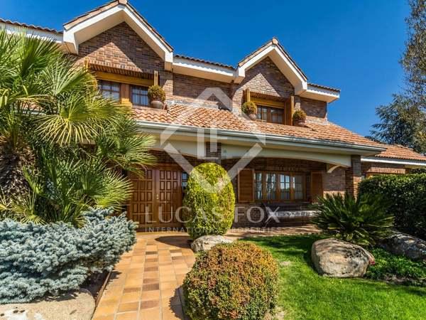 Huis / Villa van 690m² te koop met 1,400m² Tuin in Pozuelo