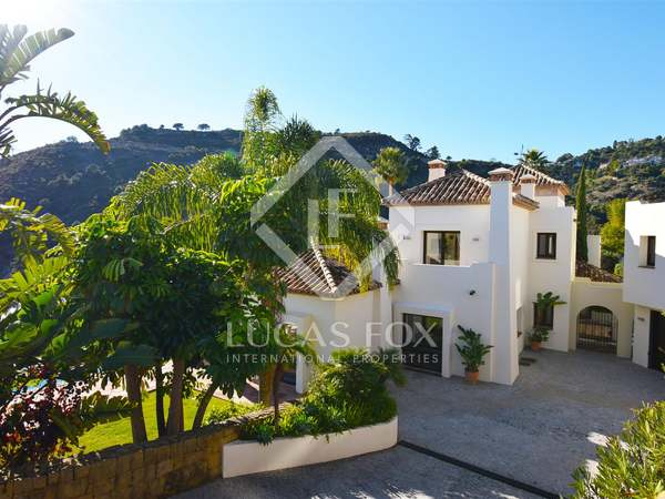 743m² House / Villa with 220m² terrace for sale in Benahavís