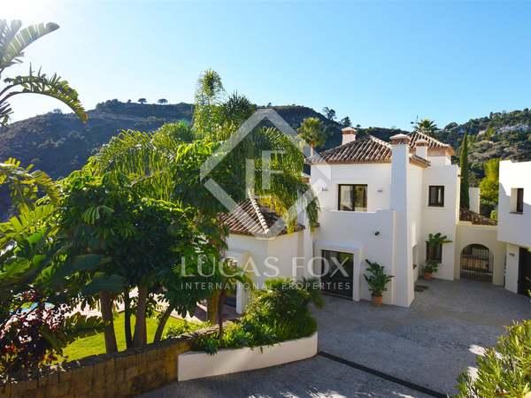 Villa de 743 m² con 220 m² de terraza en venta en Benahavís