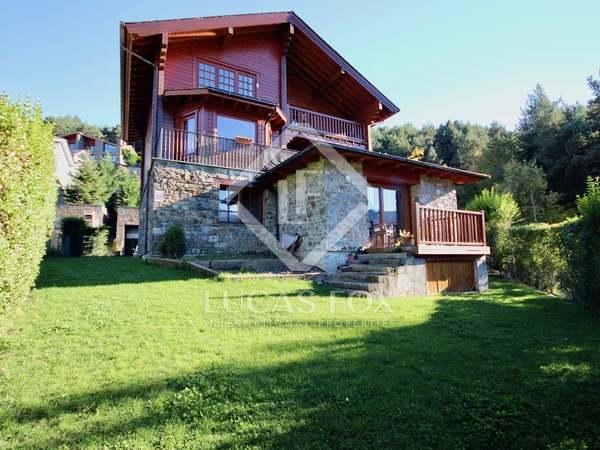 320m² House / Villa with 200m² garden for sale in La Massana
