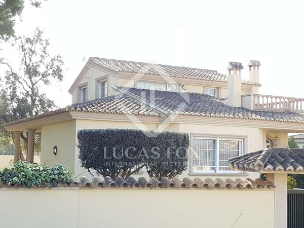 Magnificent villa with pool for sale in La Eliana
