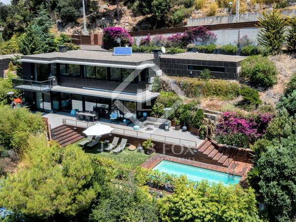 Huis / Villa van 326m² te koop in Cabrils, Barcelona