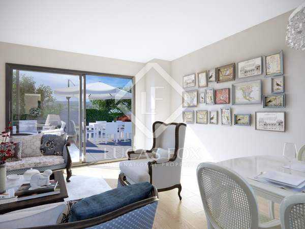 143 m² apartment with 170 m² terrace for sale in Esplugues