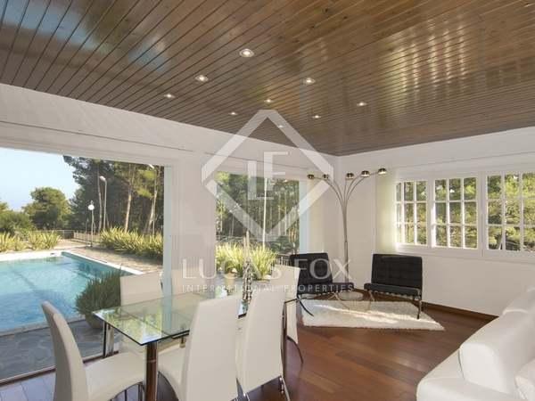 322m² House / Villa for sale in Sant Cugat, Barcelona