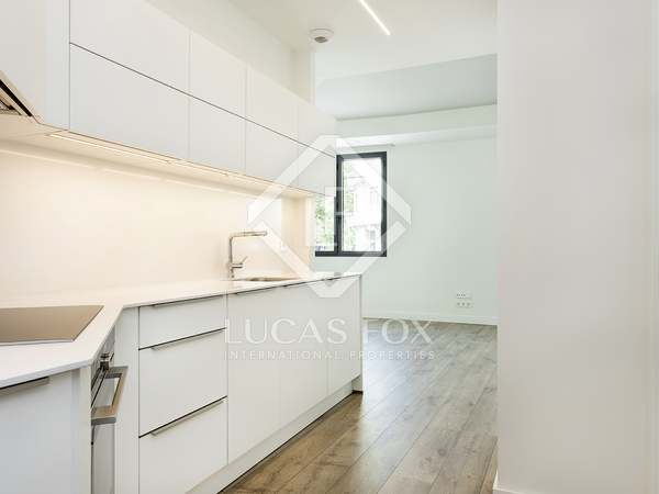 70m² Apartment with 10m² terrace for rent in Eixample Left