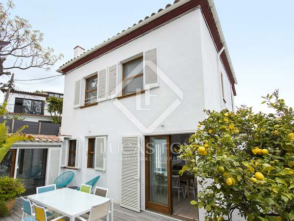 140m² House / Villa with 60m² terrace for rent in Pedralbes