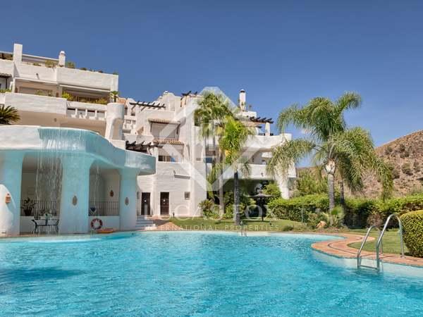 Apartamento de lujo en venta en La Quinta Golf, Marbella