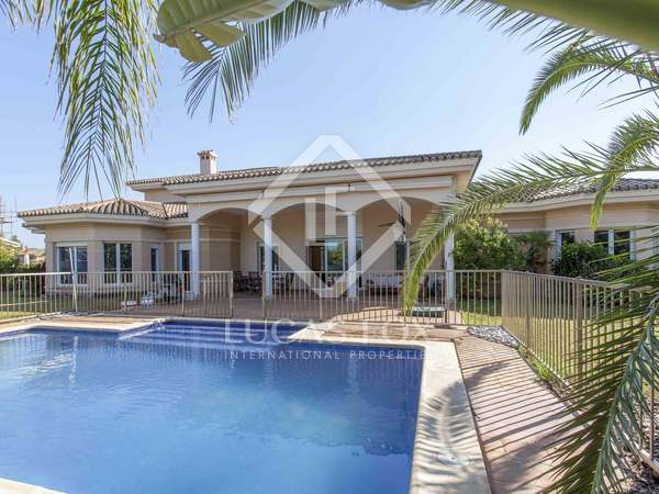 695 m² property for sale in Bétera, Valencia