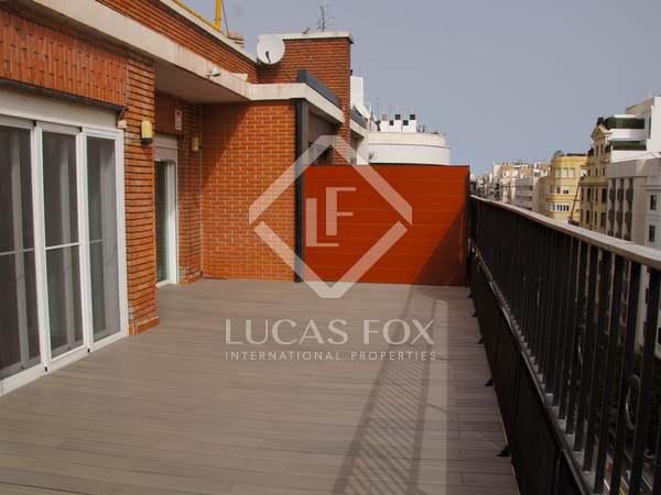 260m² Takvåning med 60m² terrass till uthyrning i Sant Francesc