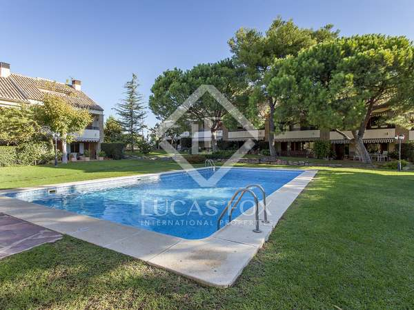 258m² House / Villa for rent in Godella / Rocafort