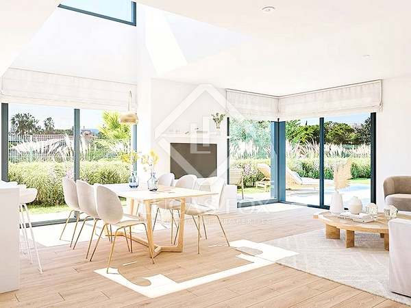 144m² House / Villa with 27m² garden for sale in golf