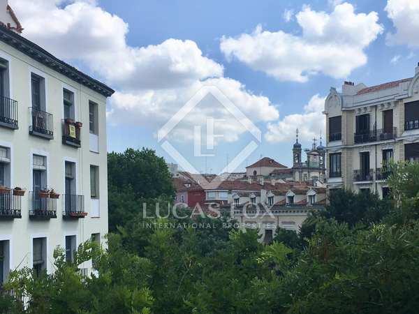 153m² Apartment for sale in Palacio, Madrid