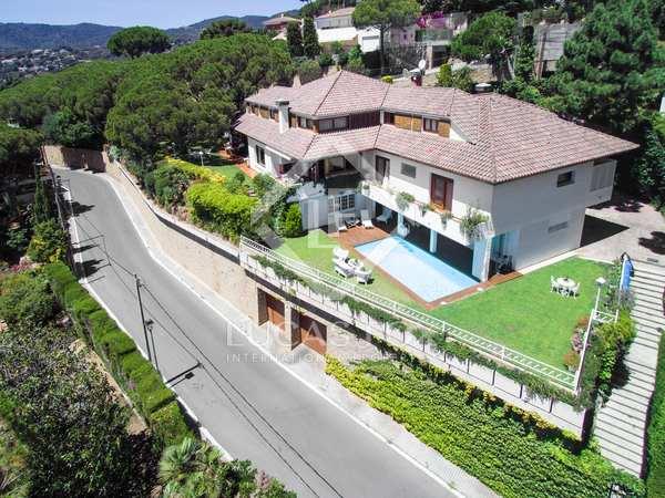 Large Mediterranean style villa for sale in Cabrils