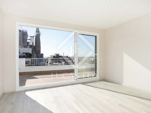 46 m² penthouse with 22 m² terrace for sale, Eixample Right
