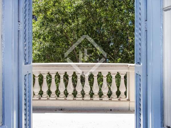 Piso de 180m² con 6m² terraza en venta en Eixample Derecho