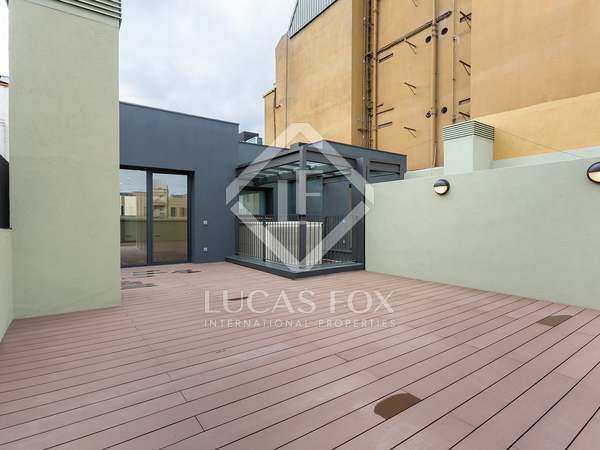 150m² Penthouse with 68m² terrace for sale in Eixample Right