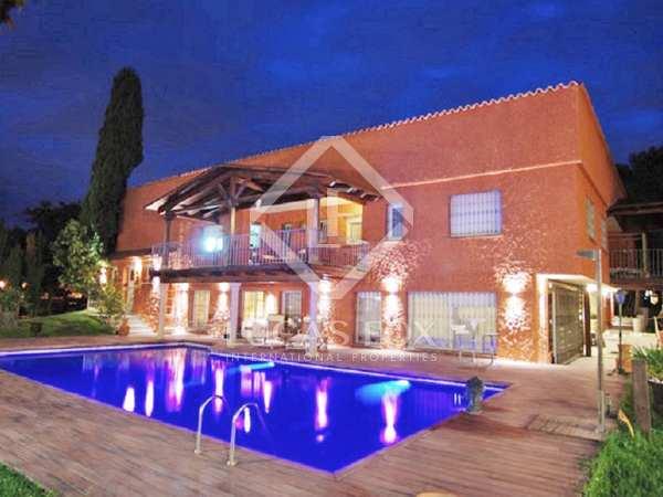 Casa / Vil·la de 1,189m² en venda a Ciudalcampo, Madrid