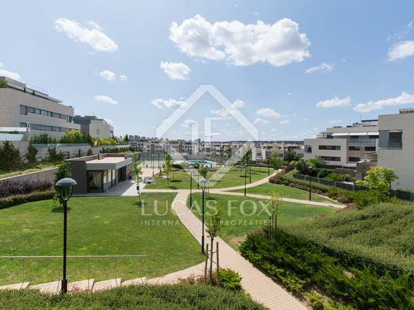 173m² Apartment with 90m² terrace for sale in Aravaca