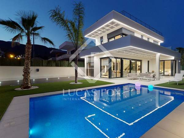 283m² House / Villa for sale in Playa San Juan, Alicante