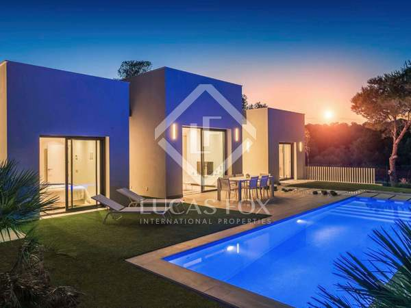 130m² House / Villa with 75m² terrace for sale in Alicante ciudad