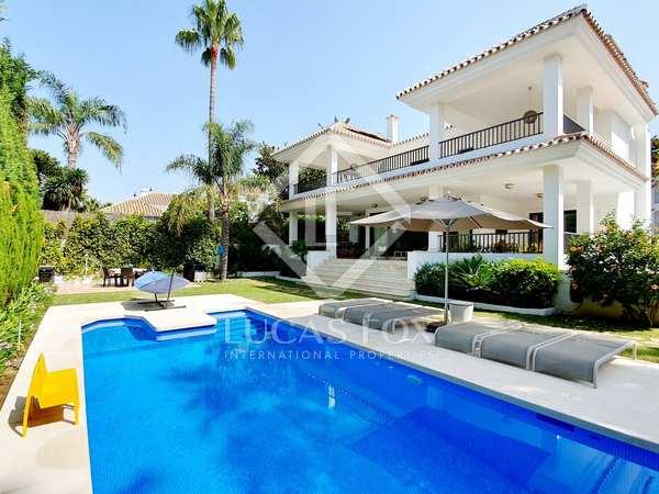 499m² House / Villa with 800m² garden for sale in San Pedro de Alcántara / Guadalmina