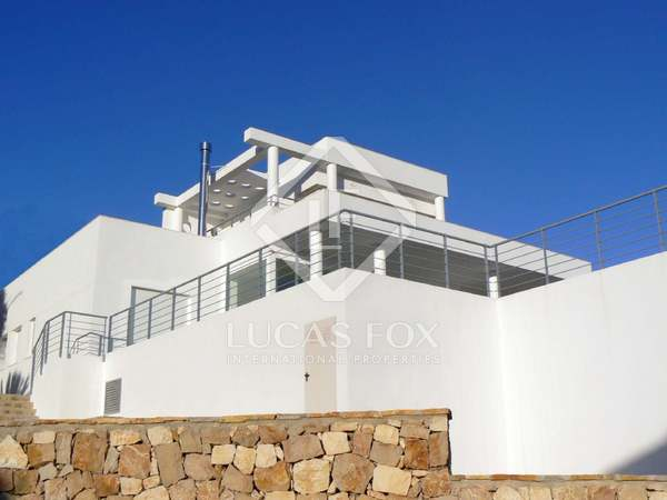 325m² House / Villa with 39m² garden for sale in Jávea