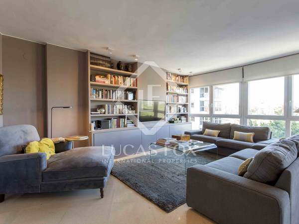 202 m² apartment with terrace for sale in El Pla del Real