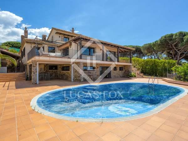 Huis / Villa van 689m² te koop in Sant Feliu, Costa Brava