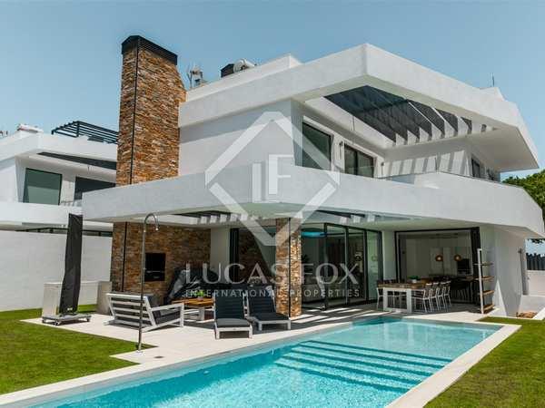 huis / villa van 194m² te koop met 513m² Tuin in San Pedro de Alcántara / Guadalmina