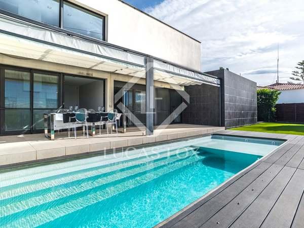 351m² House / Villa for sale in Urb. de Llevant, Tarragona