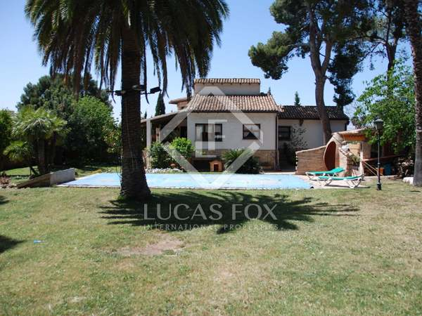 423m² House / Villa for sale in La Eliana, Valencia