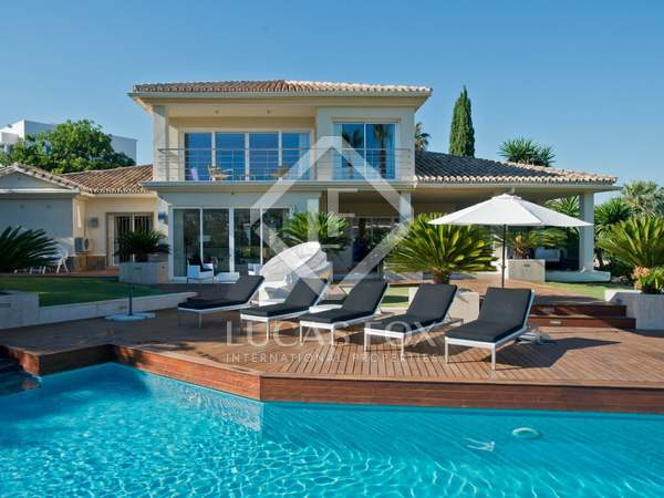 Villa en venta en Los Naranjos Golf, Nueva Andalucía
